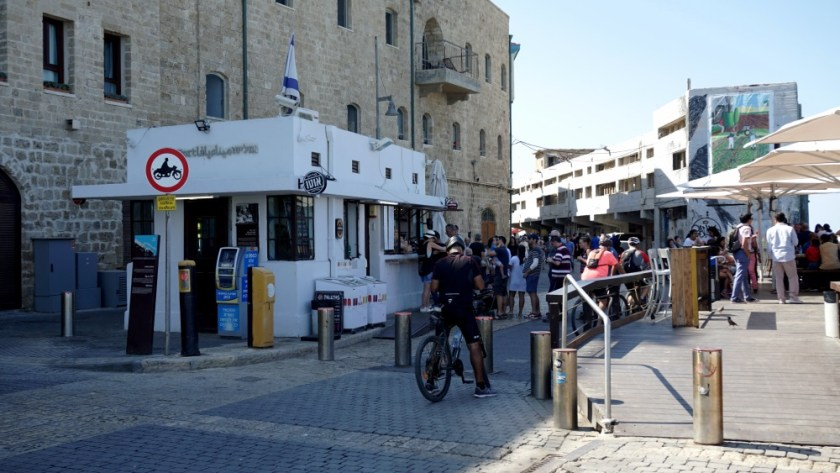 Walking day in Old Jaffa Israel (7)
