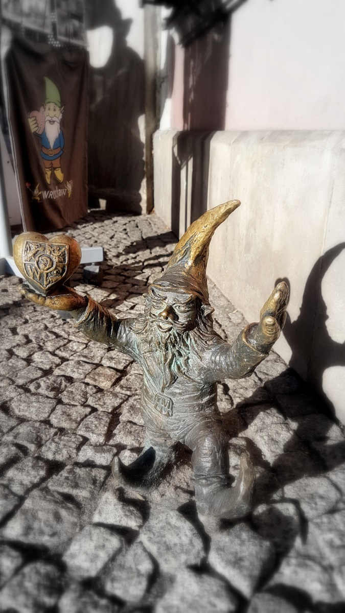 Gnomes in Wroclaw (11)