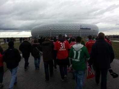 Auf dem Weg ins Stadion