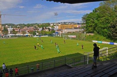 Blick auf Spielfeld und Lausanne