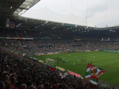 Die Haupttribüne im Borussia-Park