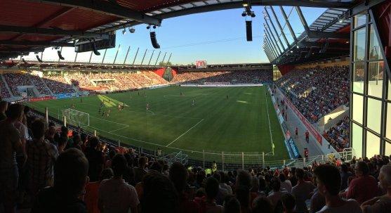 Panoramaansicht der neuen Continental Arena