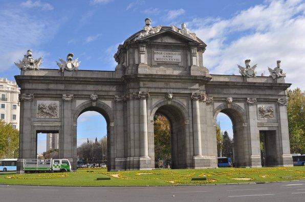 Puerta de Alcalá vor Ort