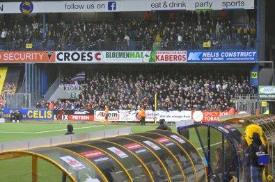 Der volle Gästeblock der Anderlecht Fans