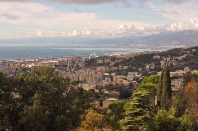 Sicht auf Genoa und das Ligurische Meer
