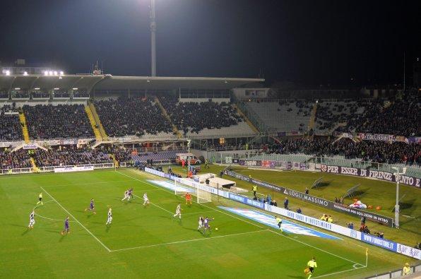 Spielszene vor dem Gästetor in der Partie Fiorentina - Udinese