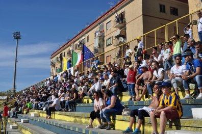Die Gegentribüne im Stadion Romeo Menti