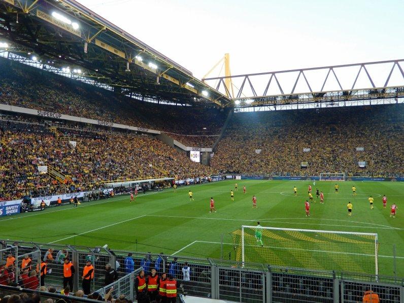 Blick in das imposante Westfalenstadion