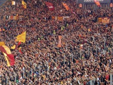 Hohe Mitmachquote bei den Roma-Fans im Derby