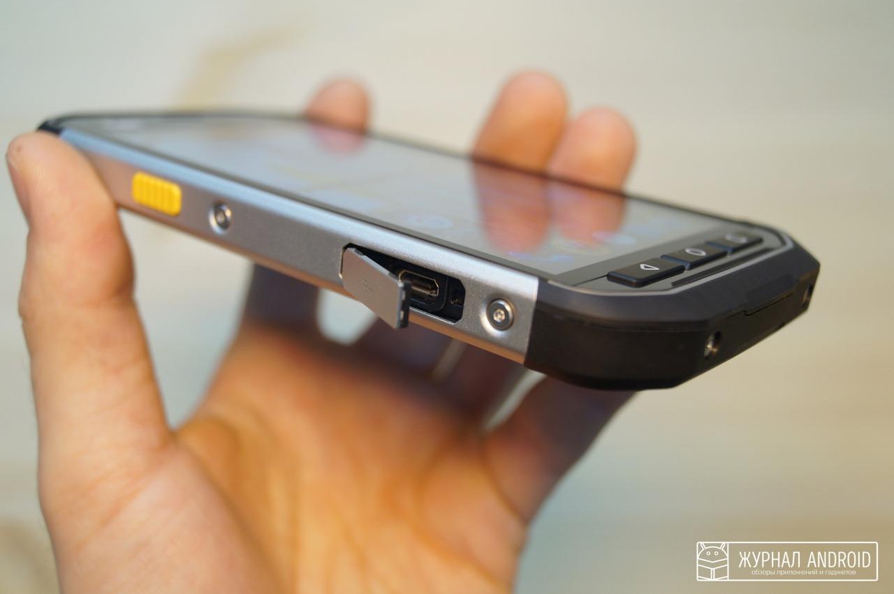 Cat S40 - Заглушка разъема micro USB