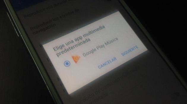 Escuchar musica con Google Maps