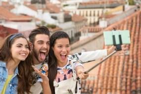 xperia-c5-ultra-selfie-stick-1500x1000