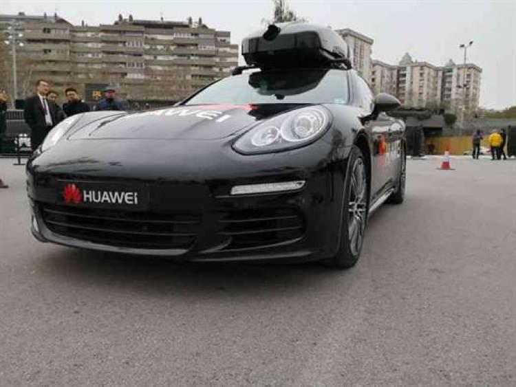 Huawei RoadReader: Estivemos num Porsche conduzido pelo Huawei Mate 10 Pro e gravámos tudo 1