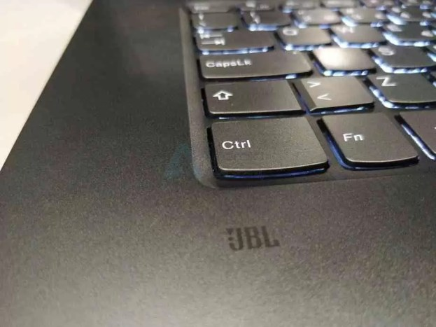 Análise Lenovo Yoga 720-15IKB 16