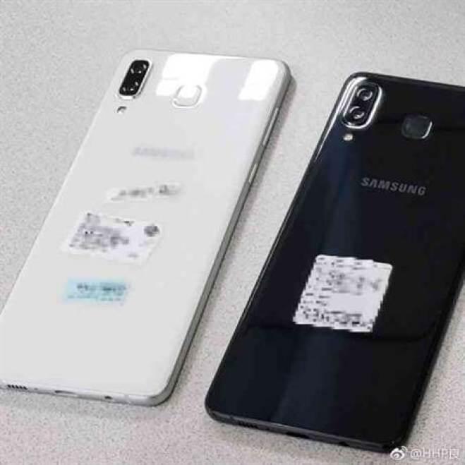 Parece que é desta que a Samsung faz uma cópia do iPhone X mas sem notch 2