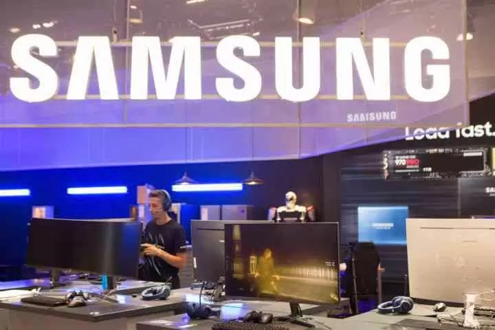 Samsung Booth At Gamescom 2018 1 Cjg5 720x480 Androidgeek.jpg