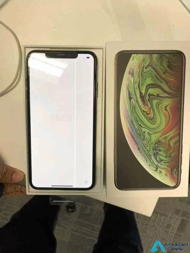 iPhones não avariam? iPhone XS Max com ecrã defeituoso aparece on-line 2