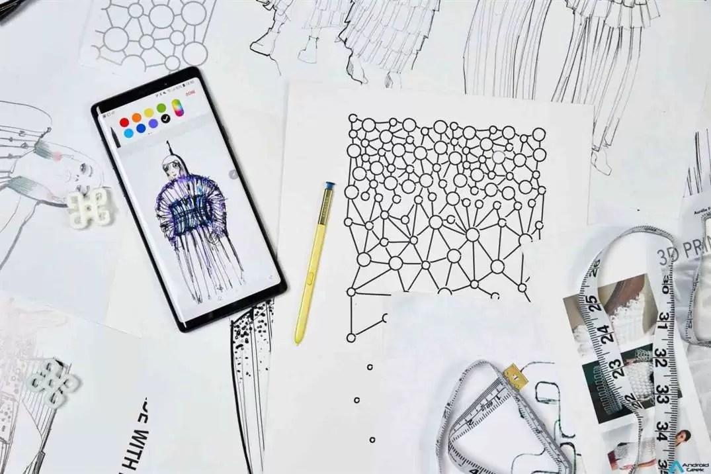 O primeiro smartphone do mundo que desenhou e produziu uma coleção de alta costura 3
