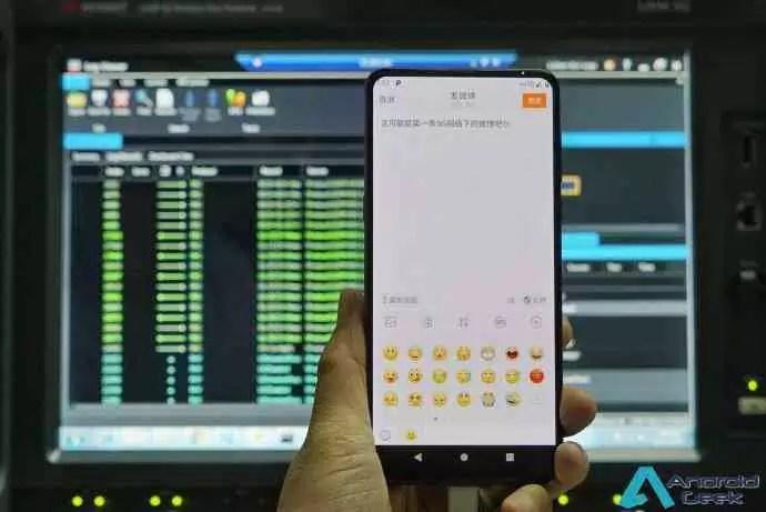 O presidente da Xiaomi, Lin Bin, mostrou uma imagem do Mi MIX 3 ligado em 5G 1