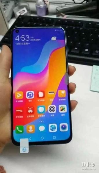 Novas fotos reais mostram a câmara traseira tripla do Huawei Nova 4 4