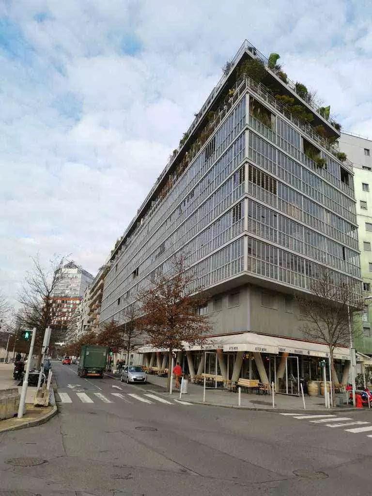 Building3_HuaweiMate20Pro_DxOMark_05-00-