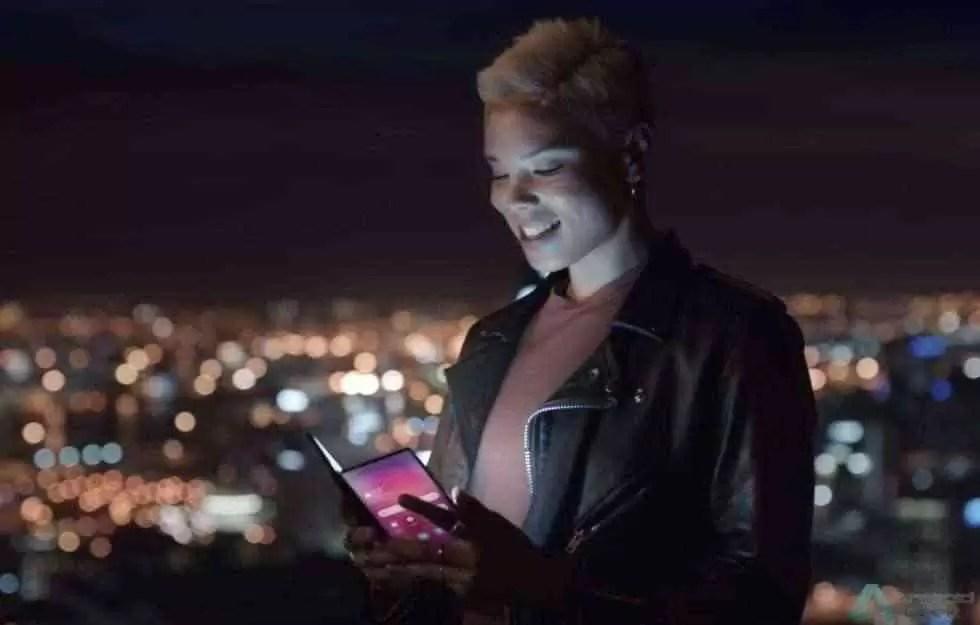 Samsung está a gostar de nos deixar ansiosos e mostra telefone dobrável em vídeo 1