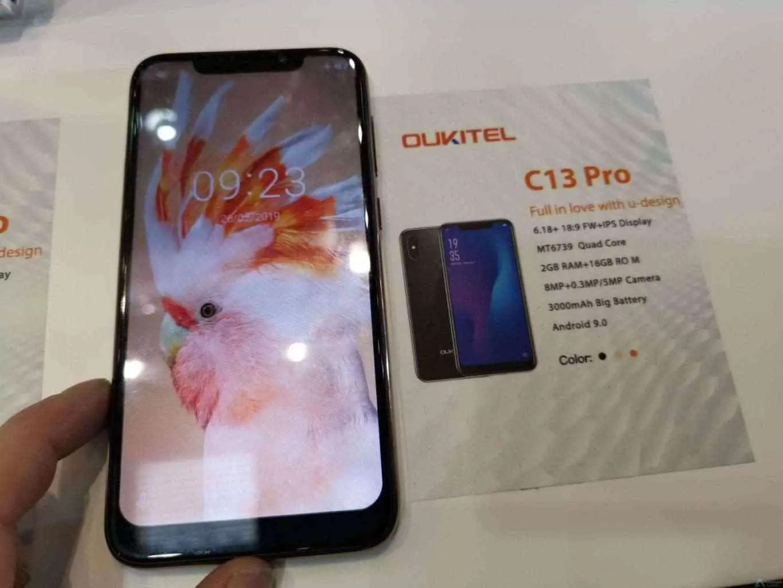"""OUKITEL marca posição no MWC 2019 com Smartphones: 7.12""""Waterdrop display,10000mAh e 5V/6A quick charge 3"""