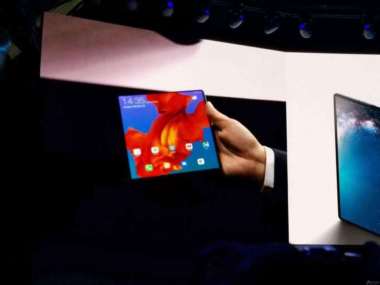 Primeiro olhar Huawei Mate X: Três modos de ecrã, quatro Câmaras, 5G 1