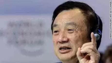 Ren Zhengfei no Fórum económico Mundial em Davos, Suíça, em 2015. Ele transformou a Huawei numa empresa com receita anual de mais de US $ 100 biliões.