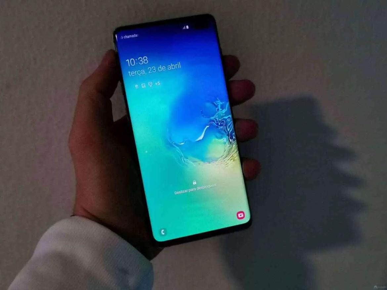 Análise Samsung Galaxy S10 Plus: Um ecrã mágico, câmaras impressionantes e uma bateria incrível. Mas não é só 2
