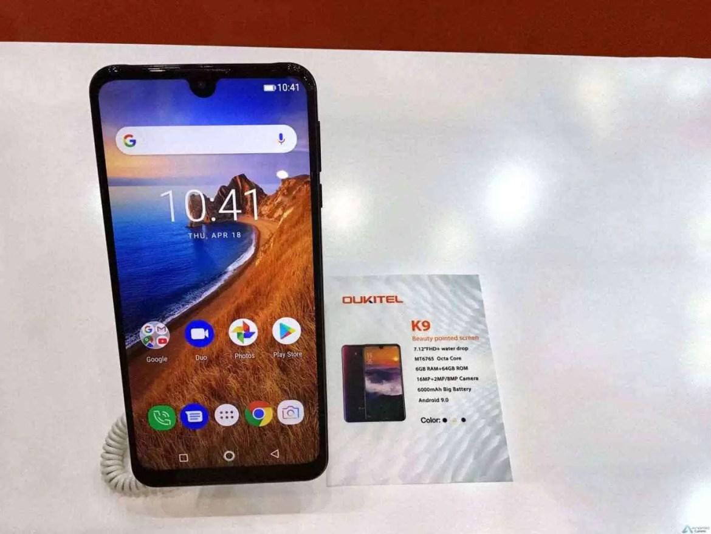 OUKITEL apresenta 3 Grandes Smartphones de Bateria e ecrã gigantes na Exposição Global de Eletrónica 2