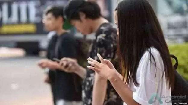 Smartphones Huawei monitorizam alunos chineses 1