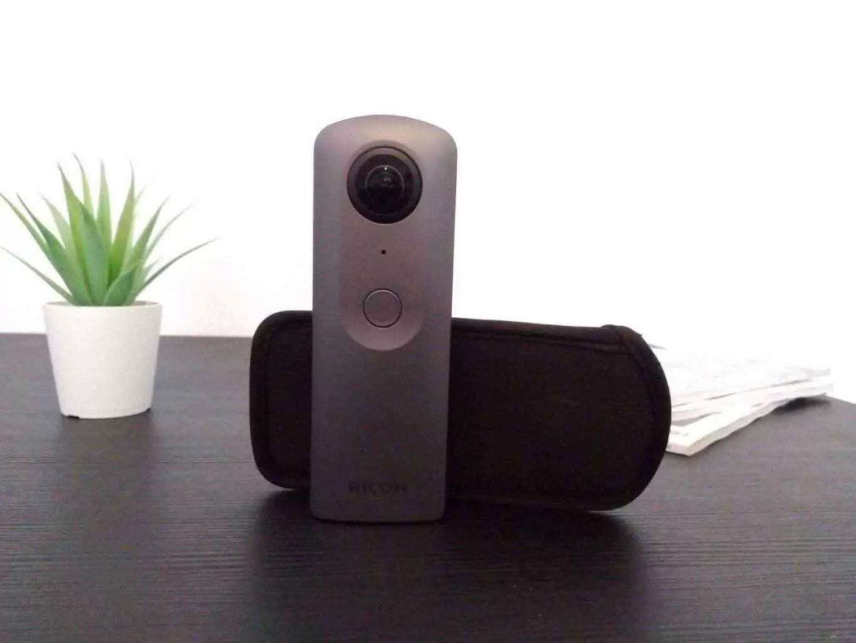 Análise Theta V a câmara 360 que podem levar para qualquer lado 1