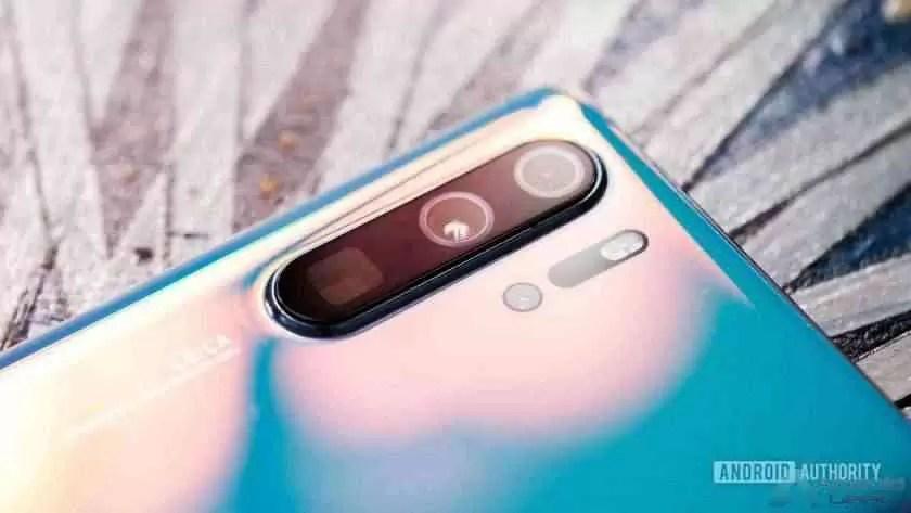 Matriz de câmara Huawei P30 Pro em ângulo
