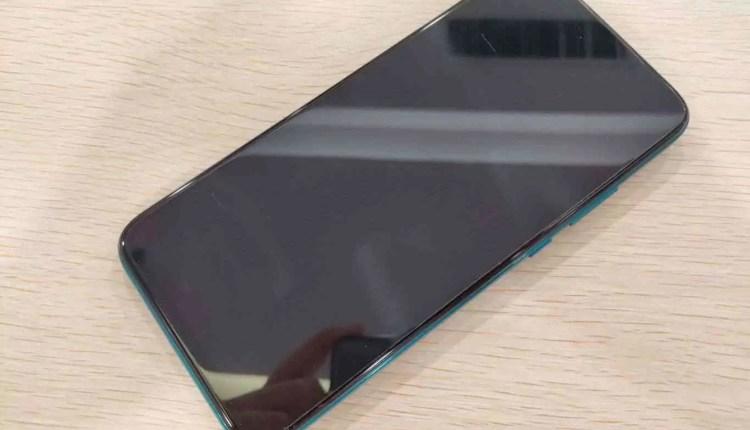 Huawei Nova 5i Pro (Mate 30 Lite) revelado em imagens reais 5