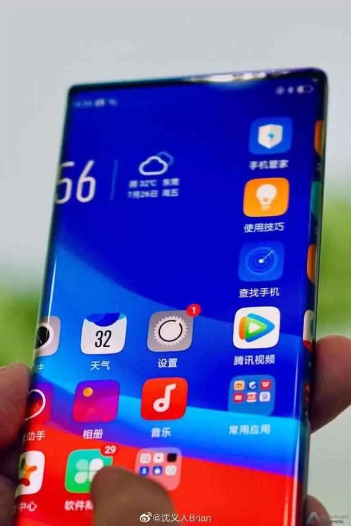 Novo telefone OPPO com Waterfall Screen e margens extremamente curvas visto em imagens 1
