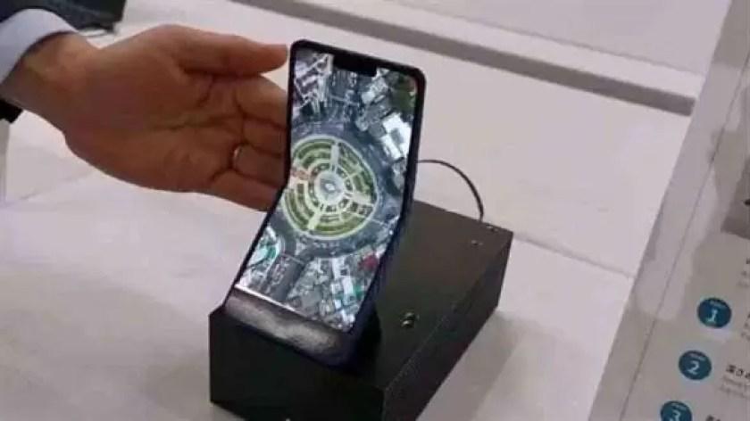 Sharp trabalha com a JDI para desenvolver um smartphone dobrável, abandonando assim a Samsung 1