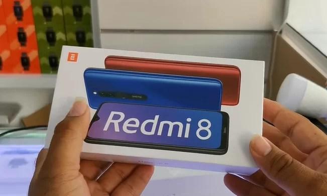 Redmi 8 unboxing em destaque