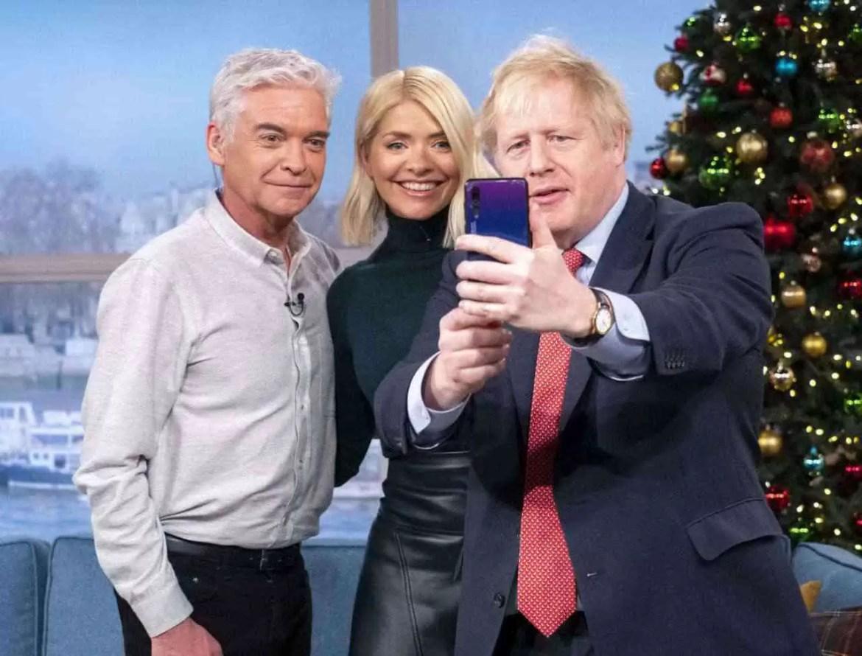 Primeiro-ministro do Reino Unido usa Huawei P20 Pro para tirar melhores selfies 1