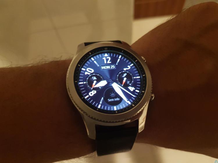 GEAR S3 Frontier um Smartwatch que não parece ser image