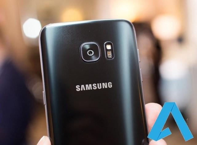 0B5CUt KUpXFUdGpTb3dQU2tFaXc Samsung Galaxy S8 com ecrã  2K e sem botão Home image