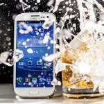 Liquipel: Wasser- und schockresistente Beschichtung schützt Smartphones vor Unfällen
