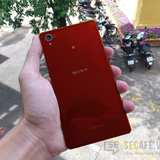 Xperia Z1 in Rot mit Android 4.4. gesichtet