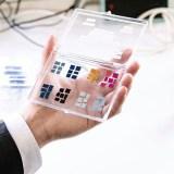 Dieses neue Touchscreen-Material bedeutet das Ende des Smartphone-Ladens