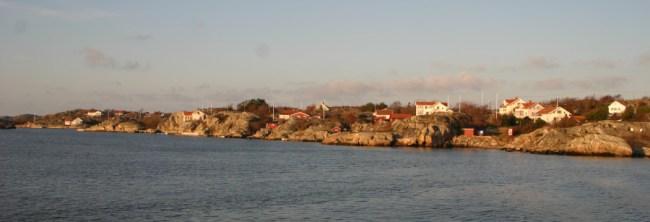 Wer in einem schwedischen Küstendorf wohnt, der hat einen weiten Weg zum nächsten Lebensmittelgeschäft. Smartphone-unterstützte Selbstbedienungs-Supermärkte könnten durch den Verzicht auf Personal rentabel genug sein, um dies zu ändern. (Foto: dieraecherin)