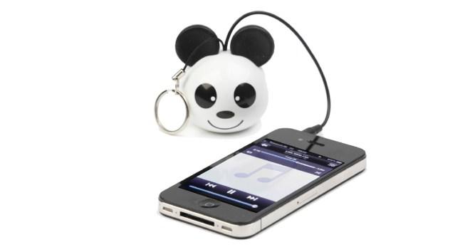 Schlüsselanhänger und Handy verstehen sich sehr gut. Wem das Design mit dem Pandabärengesicht nicht gefällt: Es gibt auch noch andere Looks.