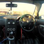 Vom Spiel zur Wirklichkeit: Xperia Phones steuern Wagen bei Fun-Rallye