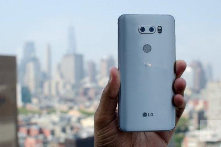 Картинки по запросу LG V40 ThinQ фото