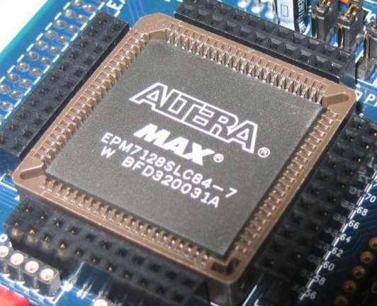 Altera_MAX_7128_2500_gate_CPLD