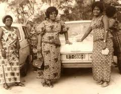 Source: http://afrolegends.com/2012/02/21/african-queens-of-textiles-the-nana-benz-of-togo/